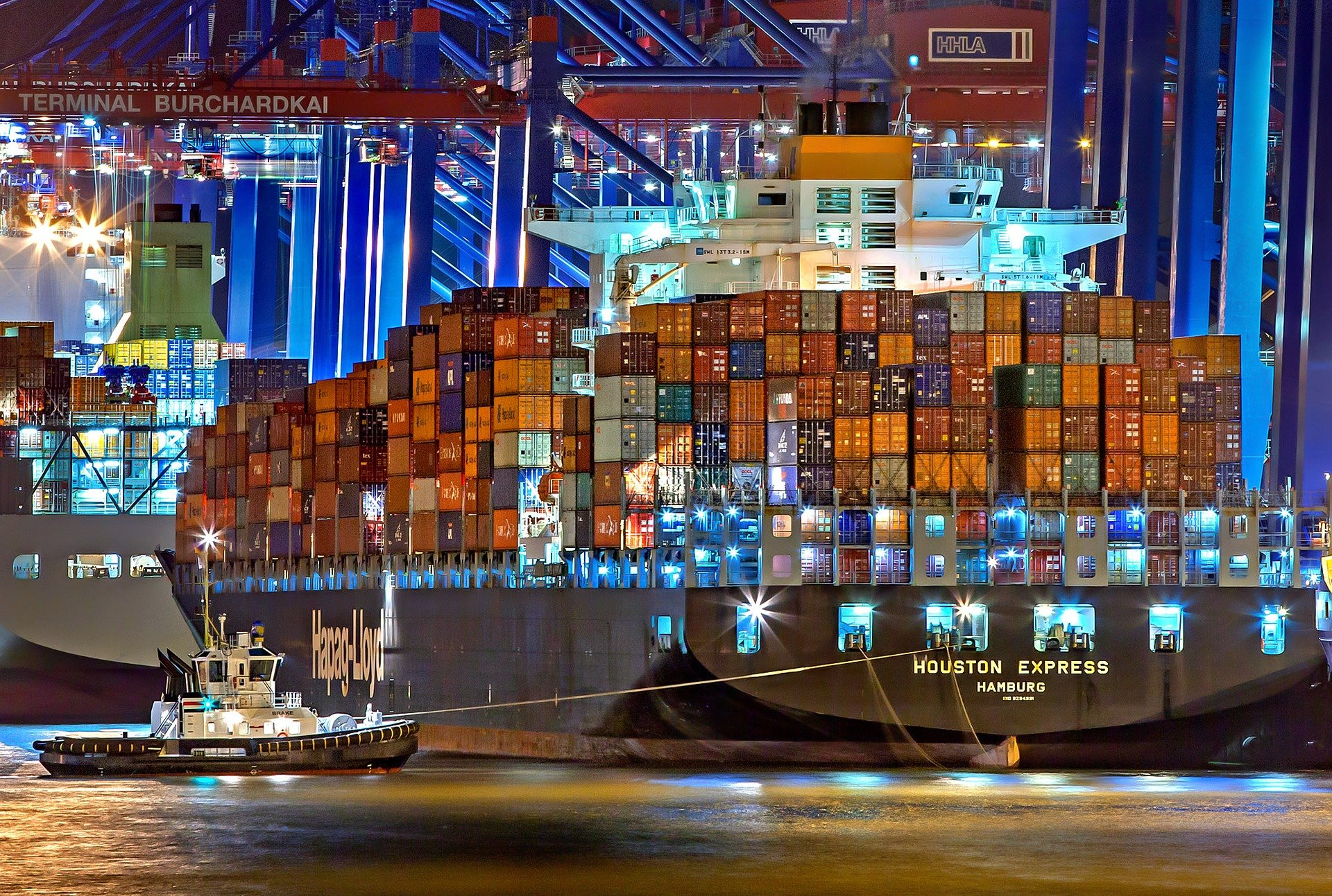 Freight Shipping Intelligence and Digital Freight Forwarder Services